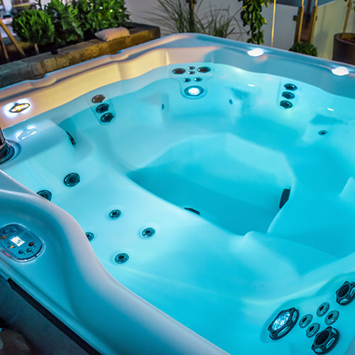 4-5 Person Hot Tubs